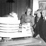 Frank Lloyd Wright, Hilla von Rebay, and Solomon Guggenheim reviewing the plan for the Guggenheim Museum (August 1945)